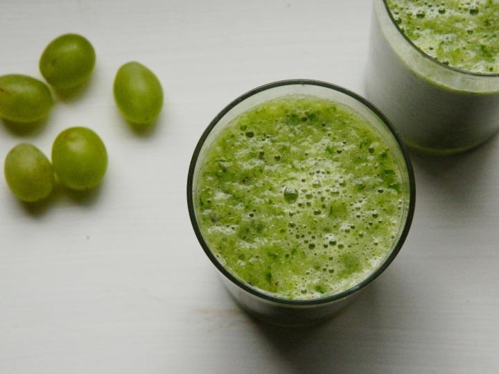 Žaliasis kokteilis su špinatais